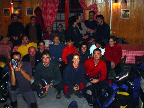 Zajednička fotografija. Dom na Oštrcu.